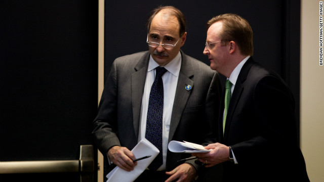 Senior adviser David Axelrod, left, with press secretary Robert Gibbs on December 22, 2010. 