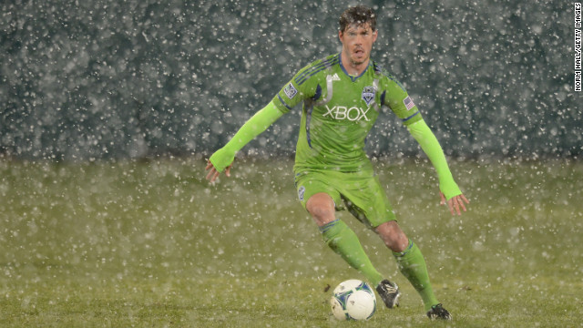 Brad Evans of the Seattle Sounders dribbles the ball while playing the New York Red Bulls in Tucson on Wednesday.