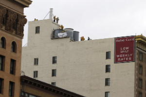 Macabro hallazgo en un tanque de hotel en LA