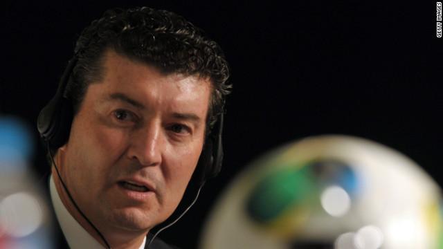 """Directivos ratifican a """"Chepo"""" de la Torre al frente de la selección mexicana"""