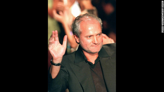 Ten years after Gianni Versace's 1997 murder, Italy's fashion capital paid tribute to the slain fashion designer with a glittering ballet performance at Milan's La Scala opera house. Versace was killed by suspected mass-murderer Andrew Cunanan, who took his own life during a standoff with Miami, Florida police. Versace's sister, Donatella, took over the Versace company three months after he died.