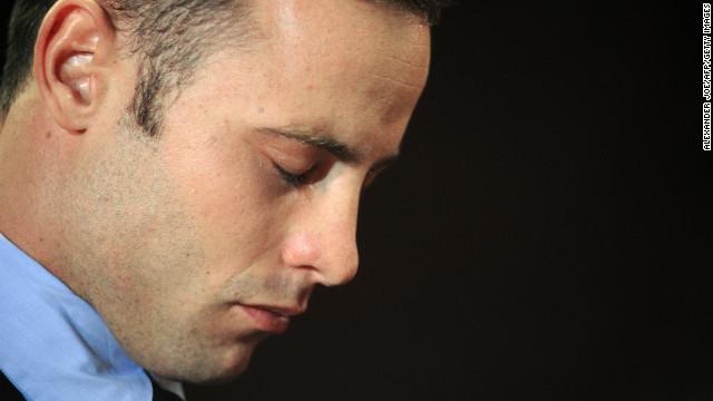 Oscar Pistorius tiene el corazón roto por la muerte de su novia