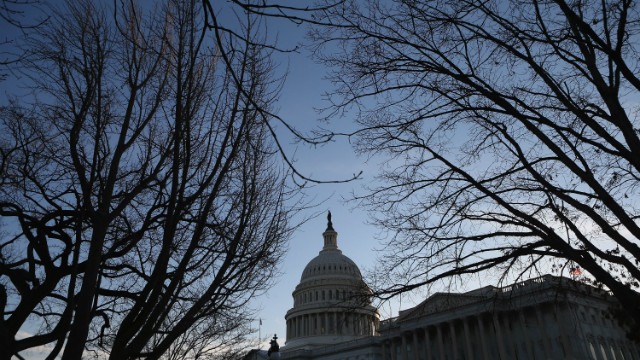 Congressional leaders back $1 trillion spending bill