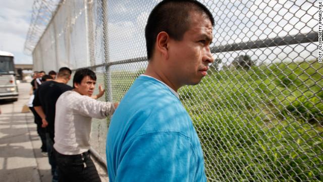 La Casa Blanca dice que no participó en la liberación de inmigrantes