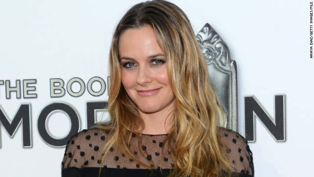 Alicia Silverstone to star in Lifetime pilot