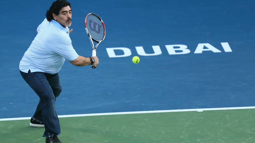 Diego Maradona, the man who led Argentina to World Cup glory in 1986, showed off ball skills of a different kind as he enjoyed a few rallies with fellow countryman Juan Martin del Potro at the Dubai Open Wednesday.