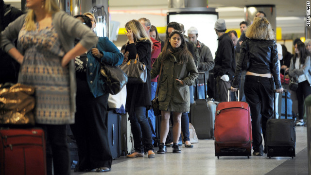 Airlines and ticket agents would be required to disclose fees for checked baggage and other services under a new proposal.