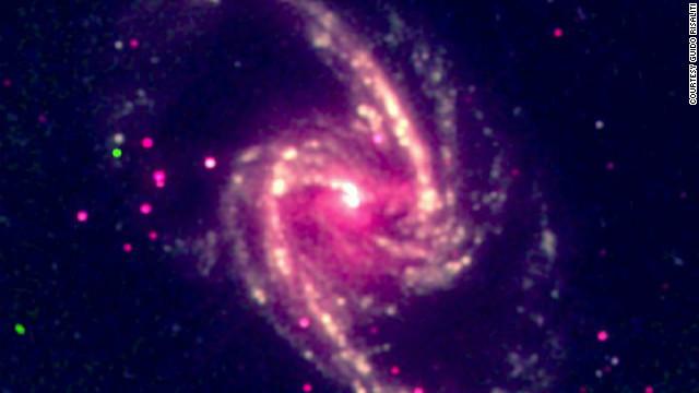 ¿Qué tan rápido se mueve un agujero negro?
