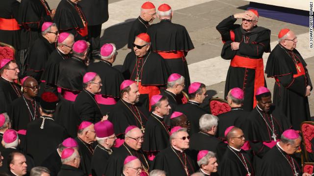 ¿Deberían poderse casar los curas en la Iglesia Católica?