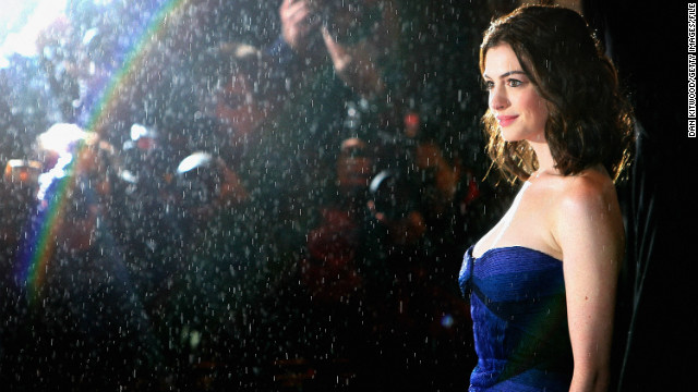 Hathaway arrives for &quot;Rachel Getting Married's&quot; premiere at the British Film Institue's London Film Festival in October 2008.
