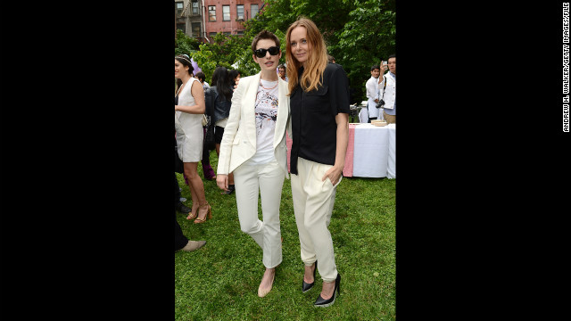 Hathaway and fashion designer Stella McCartney at the Stella McCartney Resort 2013 presentation in June 2012 in New York. 