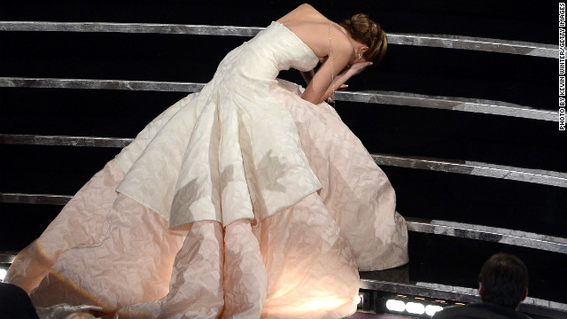 Jennifer Lawrence explains that Oscars fall