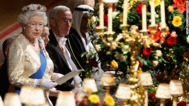 Elizabeth gives a speech during a state banquet for the visit of Indian President Pratibha Devisingh Patil at Windsor Castle in October 2009.