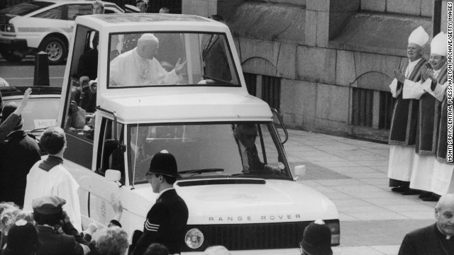 1982: Pope John Paul II arrives at Westminster Cathedral in London in a modified Range Rover.