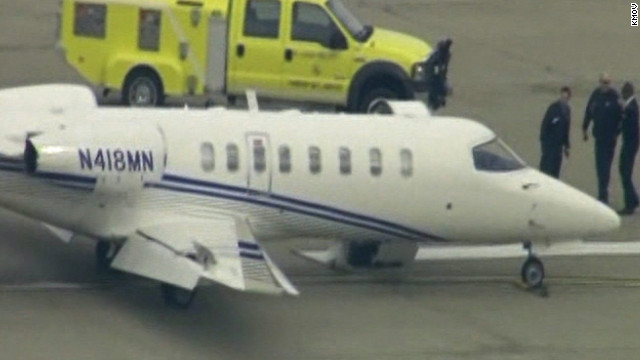 Plane safely makes emergency landing