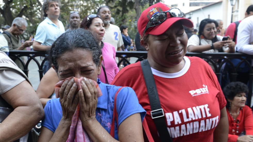 Millones de venezolanos lloran la muerte de Hugo Chávez