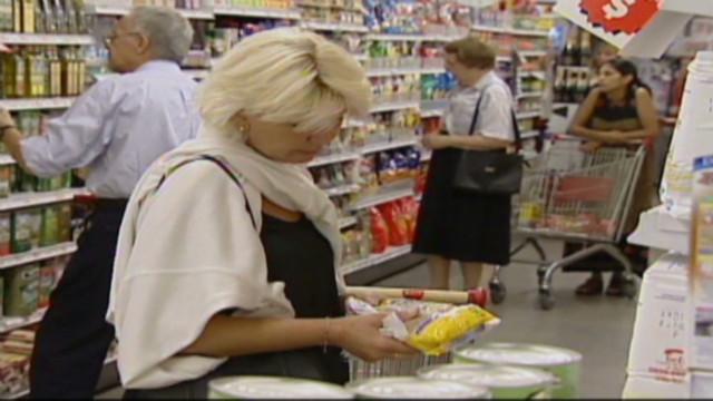 Gobierno de Argentina y supermercados acuerdan congelar los precios por dos meses