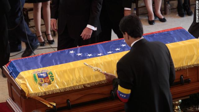 """Maduro puede ser candidato sin dejar el cargo de """"presidente encargado"""""""