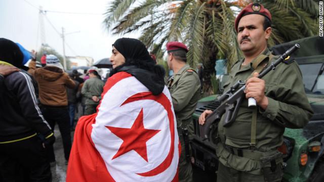 Un hombre se inmola con fuego en protesta contra el desempleo en Túnez