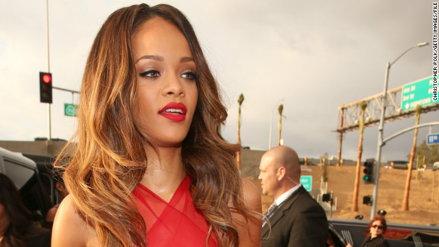 Rihanna cancels second concert due to illness