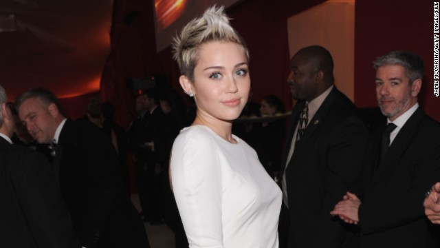 Miley Cyrus was getting her engagement ring fixed, guys