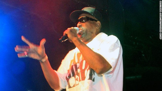 Tone Loc collapses at concert
