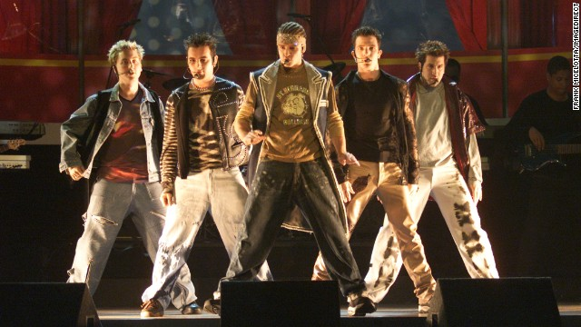 'N Sync performs at the 2000 MTV Movie Awards.