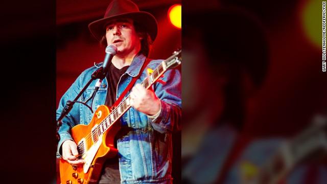 Musician Jason Molina dies at 39