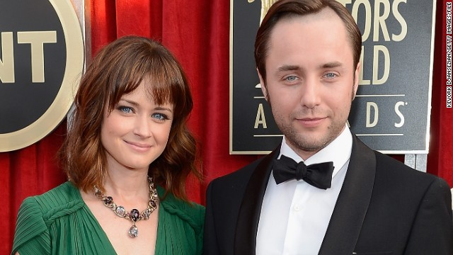 'Mad Men's'  Alexis Bledel, Vincent Kartheiser are engaged