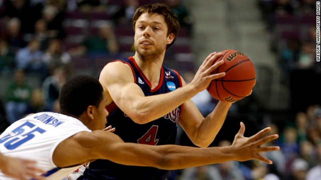 Matthew Dellavedova of the St. Mary's Gaels looks to pass against the Memphis Tigers on March 21 in Auburn Hills, Michigan.