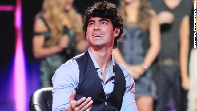 Joe Jonas squashes sex tape rumors