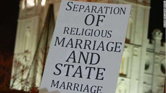 an opinion on gay marriage rights The supreme court made same-sex marriage legal nationwide on friday, ruling 5-4 that states can no longer deny marriage licenses to gay couples the case in question, obergefell v hodges, joined.