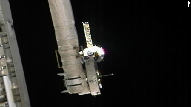 Ship reaches space station in just 6 hours
