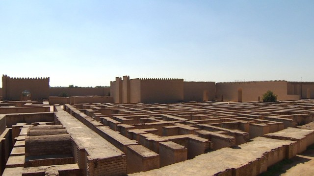 Iraqi archaeologist Hai Katth Moussa said that during a massive reconstruction project in the early 1980s, Saddam Hussein began building a replica of the palace of Nebuchadnezzar II on top of the ruins of the ancient palace.