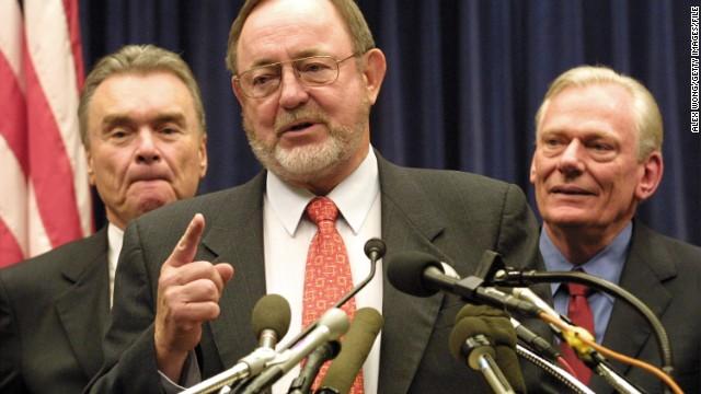 """Legislador de EE.UU. se disculpa por llamar a inmigrantes """"espaldas mojadas"""""""