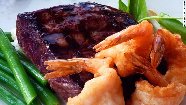 "It's not an ""airport restaurant."" It's a restaurant in an airport: surf and turf at Anthony's Restaurant in Seattle-Tacoma International. It serves up seasonal Pacific seafood and shellfish from the Northwest, Alaska and Hawaii."