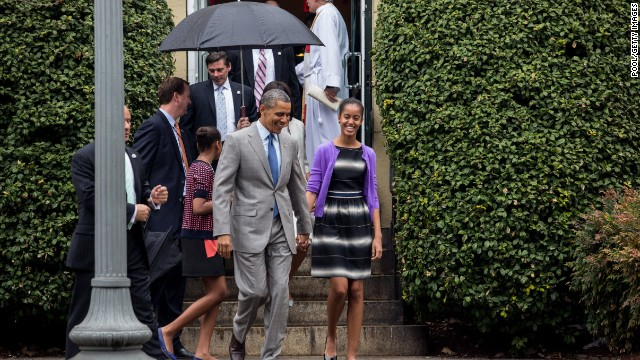 Obama hears hint of politics during Easter sermon