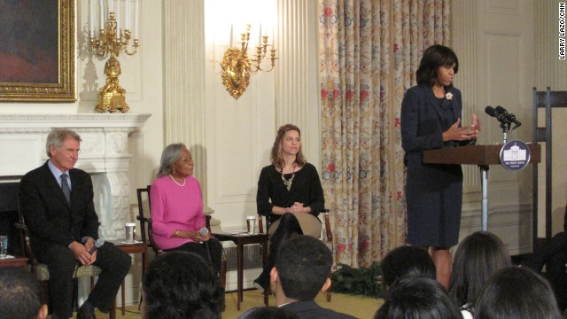 Jackie Robinson comes to the White House as First Lady hosts talk on '42'
