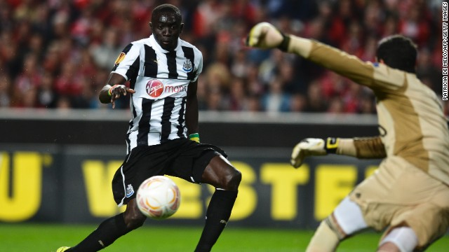 Newcastle striker Papiss Cisse gave his side the perfect start after netting a crucial away goal after just 12 minutes in Lisbon against Benfica.