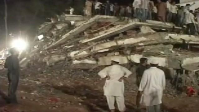 Al menos 46 muertos tras derrumbe de un edificio en India
