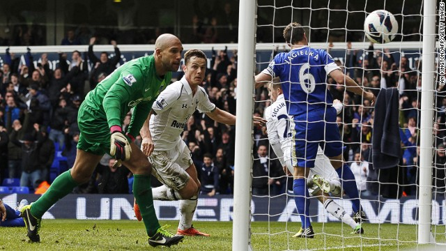 Tottenham relinquished the position after needing a late equalizer in the 2-2 draw with sixth-placed Everton earlier on Sunday.