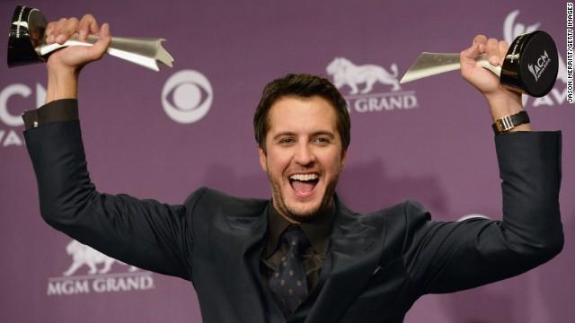 Lambert, Bryan win big at country awards