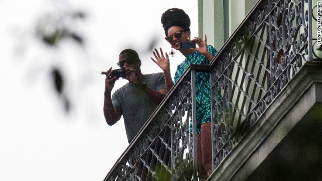 Beyoncé and Jay-Z were photographed in Havana last week, apparently celebrating their fifth wedding anniversary.