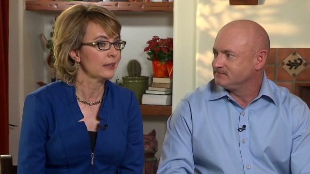 Gabby Giffords to rally for background checks