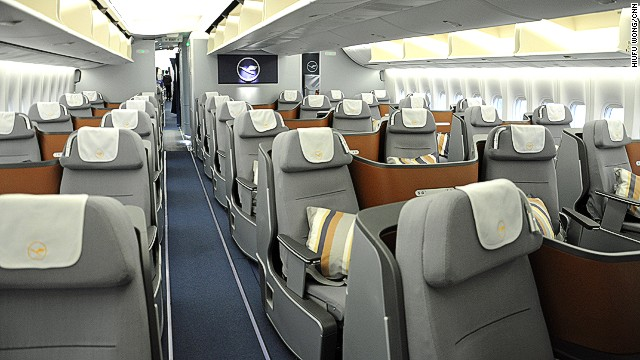 With the new aircraft, Lufthansa is launching a new business class. This 747-8 is kitted out with 80 business-class seats. There are 32 in the upper deck, 48 below (pictured here). The lower area sports a V-shaped 2-2-2 configuration. Upstairs it's 2-2.