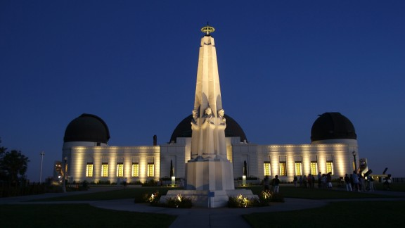 LOS ANGELES, CA - JUNE 21: The Griffith Observatory at dusk on June 21, 2007 at Griffith Park in Los Angeles, California. (Photo by Stephen Dunn/Getty Images)