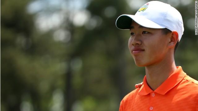 Fenómeno de 14 años avanza en el Masters de Augusta