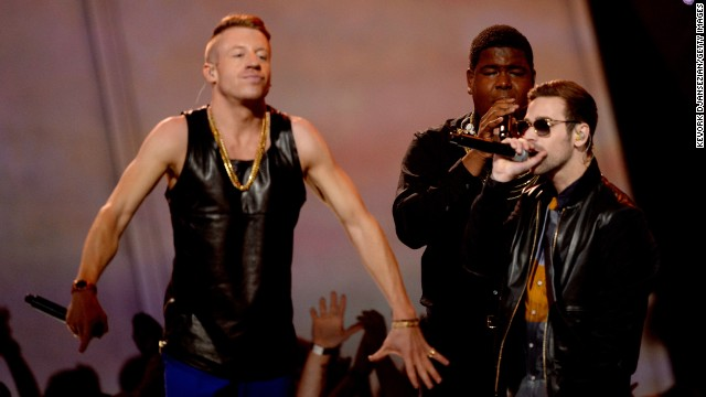 With that introduction, Macklemore & Ryan Lewis can't help but give an uplifting performance.