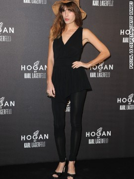 Not one for tunics? Pair your leggings with a peplum top, like Lou Doillon here, for a flattering silhouette.