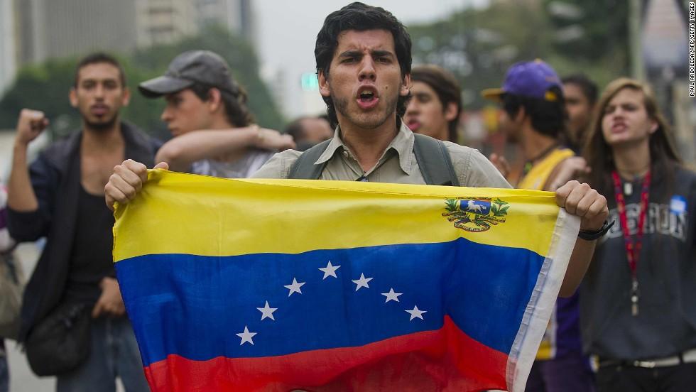 """""""Millones y millonas"""" de venezolanos"""